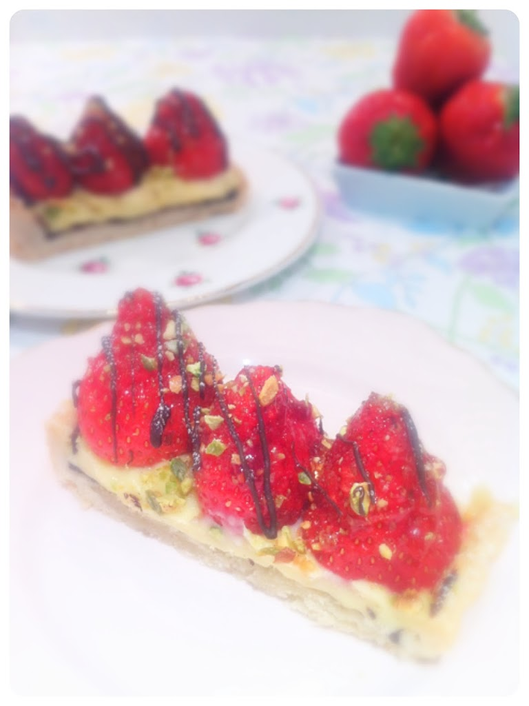 Strawberry tart ch rie kelly for Easy jam tarts ready made pastry