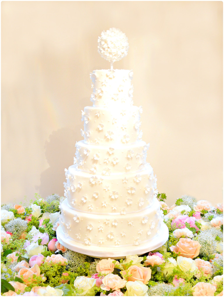 5 tiers Floral, Pearls and Beads Applique Pomander Wedding Cake