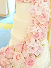 Fresh Flowers Roses Hydrangeas Sweet Pea Pink Cascade Wedding Cake at Mandarin Oriental Hyde Park London Cherie Kelly cakes and flowers