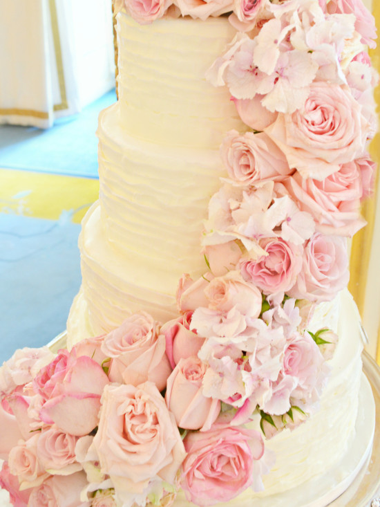 Fresh Flowers Roses Hydrangeas Sweet Pea Pink Wedding Cake at Mandarin Oriental Hyde Park Cherie Kelly cakes and flowers London 2