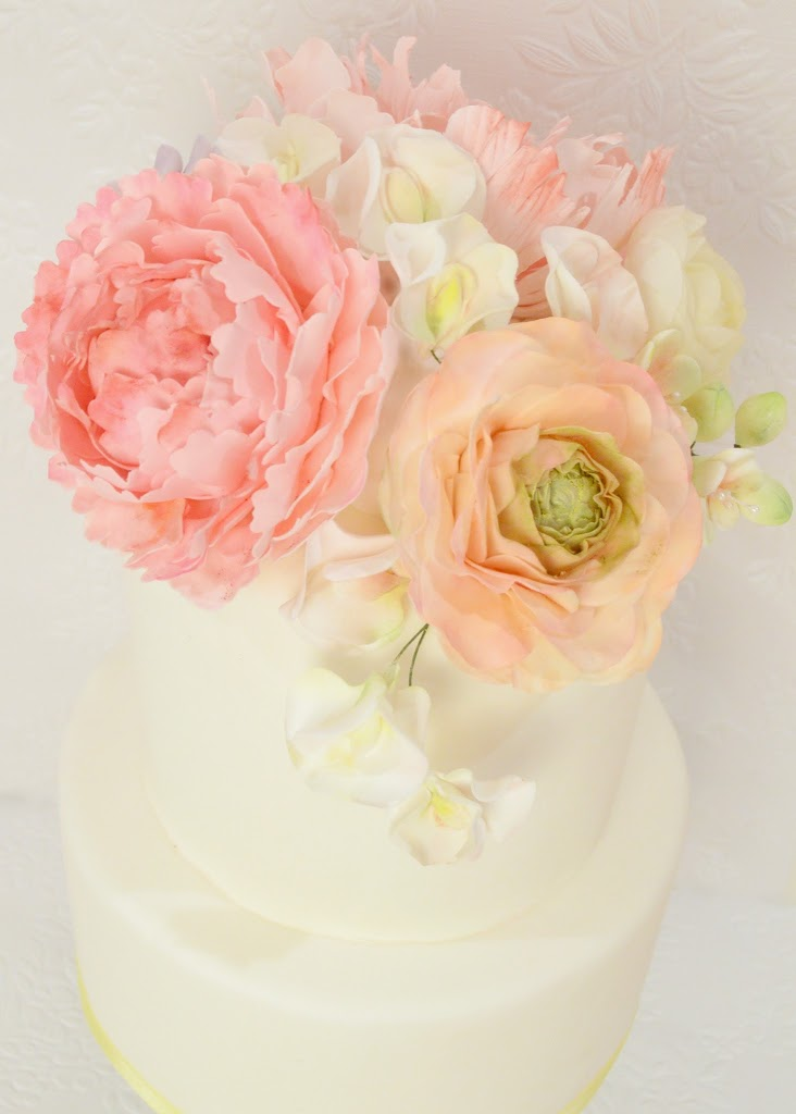 wedding cake with peony flowers sugar peony ranunculus and ch 233 rie 26935