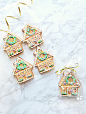 Beautiful Christmas Holiday Ginger Bread House Cookie Cherie Kelly London
