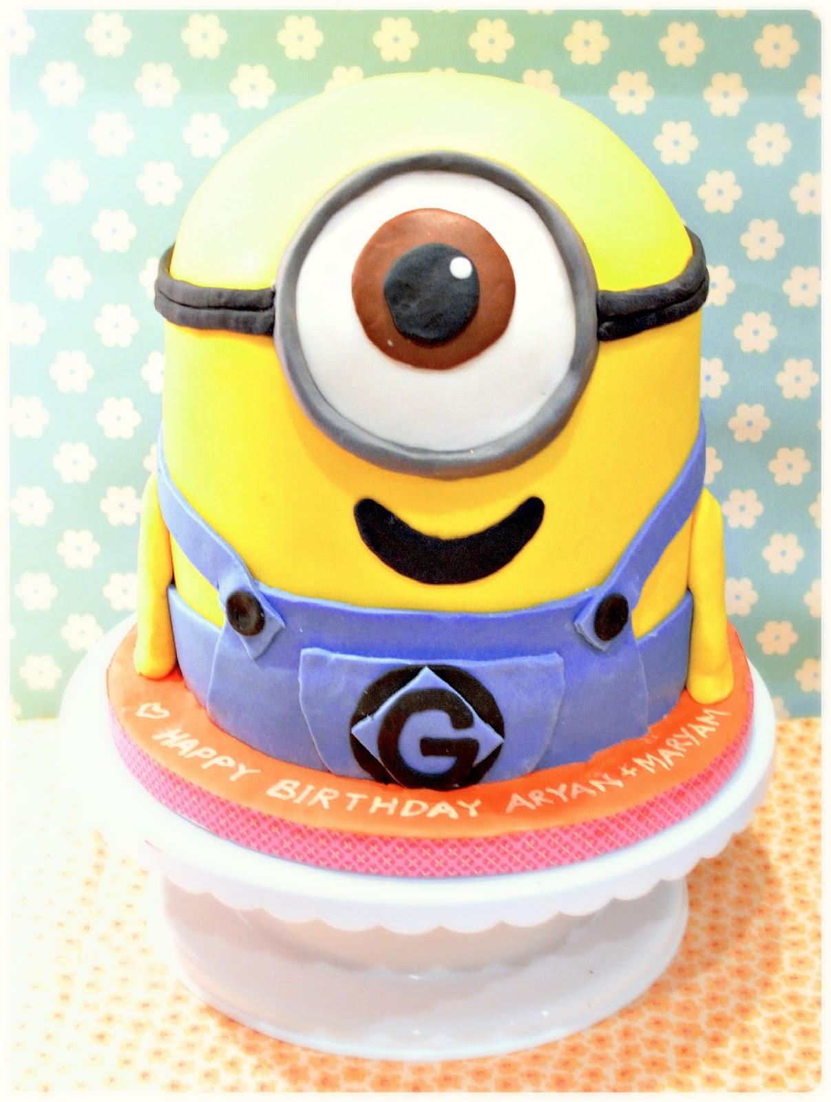 Despicable Me 2 Minion Birthday Cake London Cherie Kelly