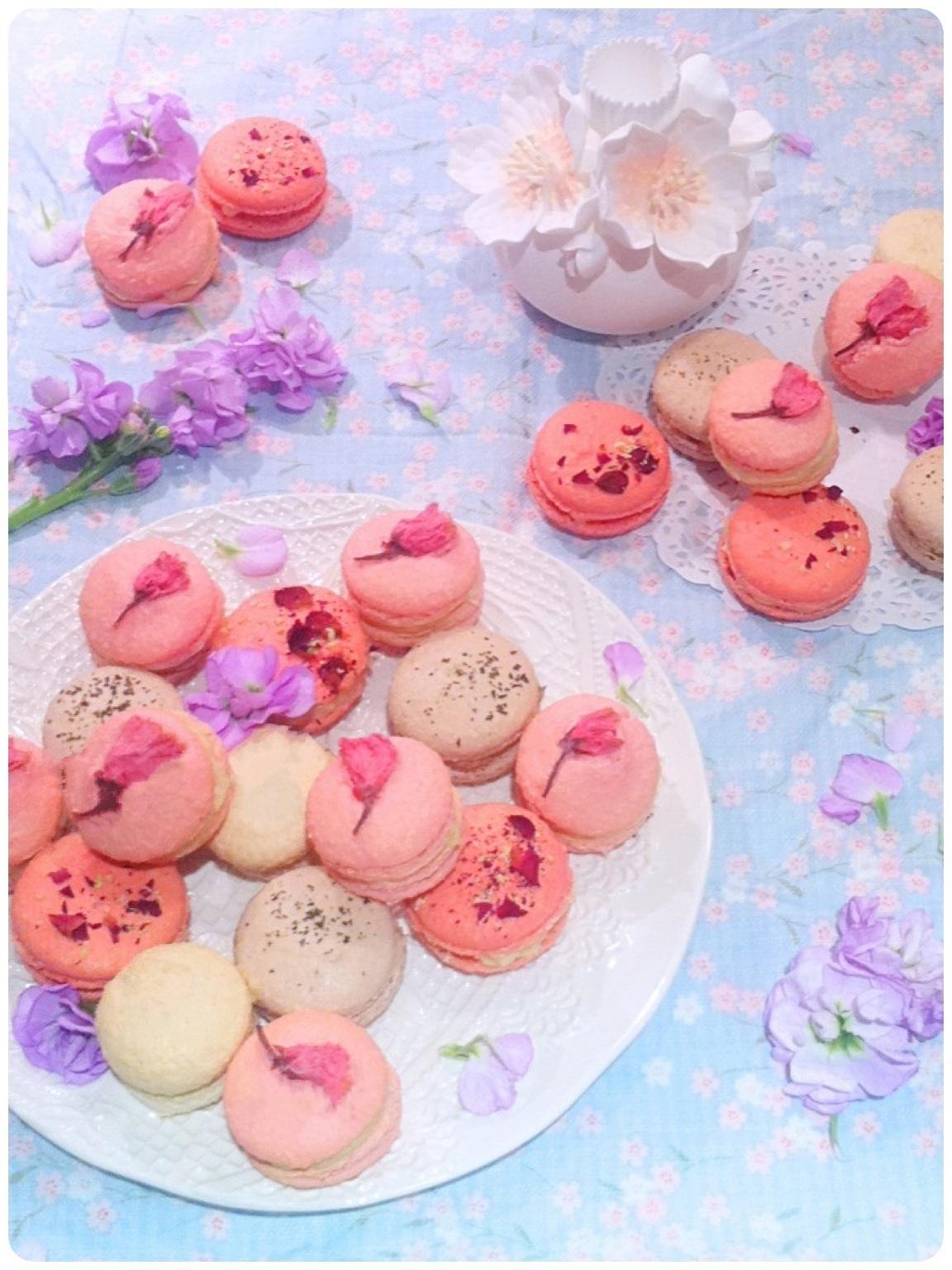 Cherry Blossom, Rose, Jasmine & Earl Grey Macarons Cherie Kelly Cake London