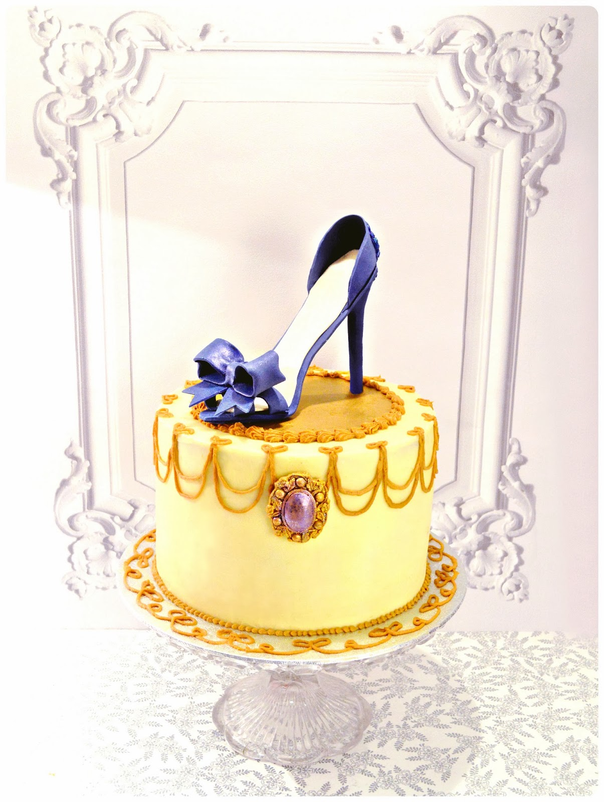 blue high heel shoe with bow and jewel Cherie Kelly Cake London