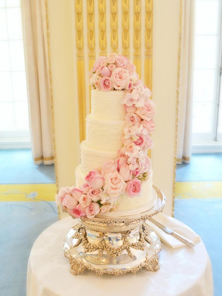 Fresh Flowers Roses Hydrangeas Sweet Pea Pink Wedding Cake at Mandarin Oriental Hyde Park Cherie Kelly cakes and flowers London