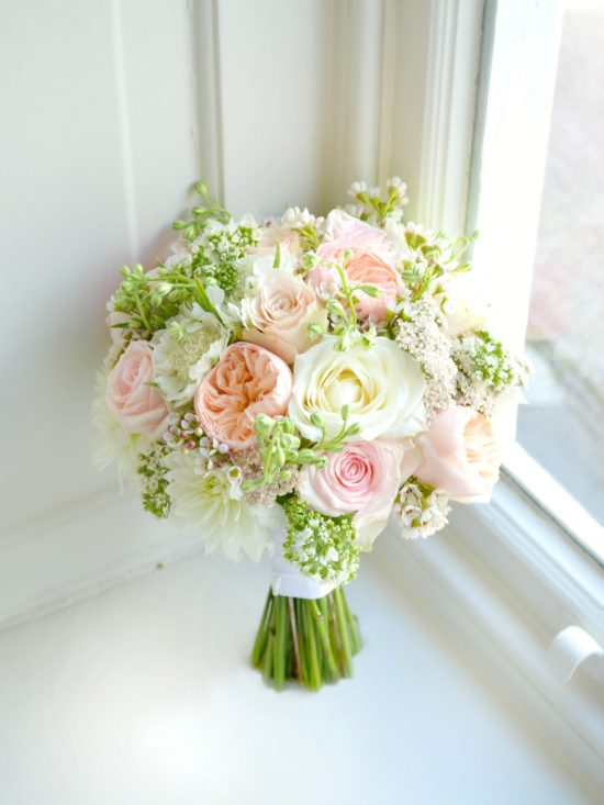 How Many Roses in a Bridal Bouquet